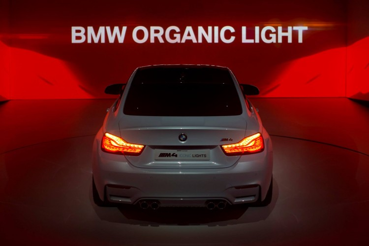 BMW-M4-Iconic-Lights-2015-CES-Lichttechnik-Concept-02