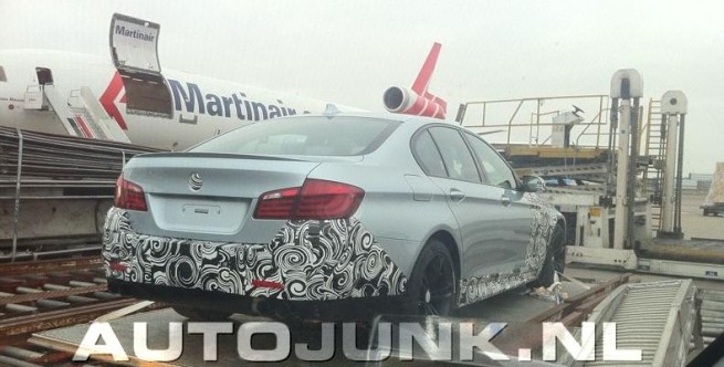 BMW-M5-F10-Spyshots-Schiphol-Autjunk