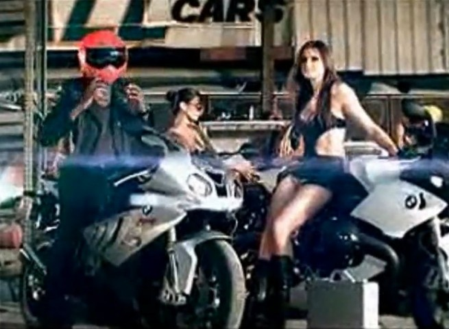 BMW-Motorrad-S-1000-RR-Product-Placement2
