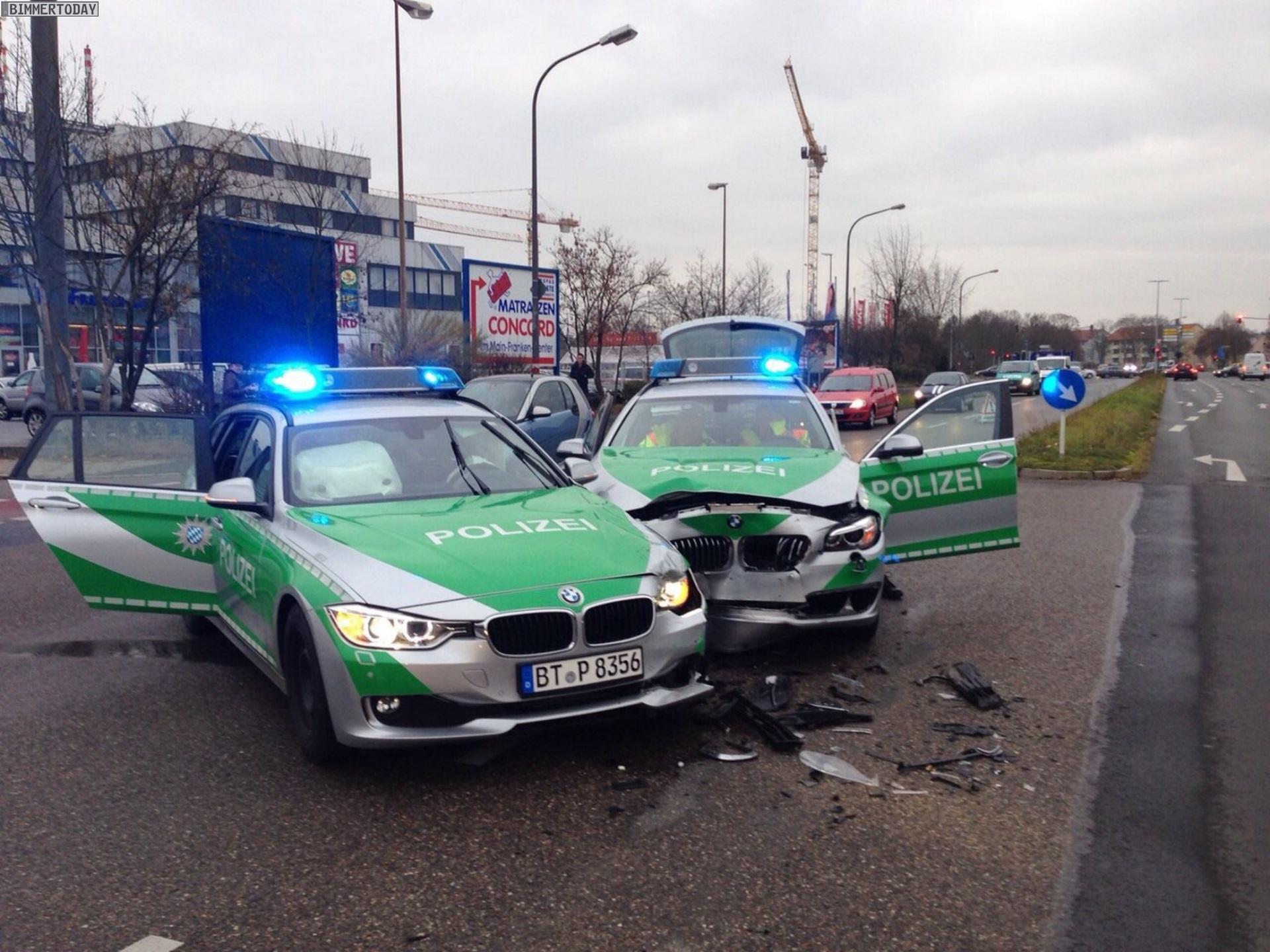 Dumm Gelaufen Treffen Sich Zwei Polizei Autos Im Einsatz