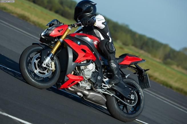 BMW-S-1000-R-2013-EICMA-Motorrad-Roadster-Naked-Bike-01