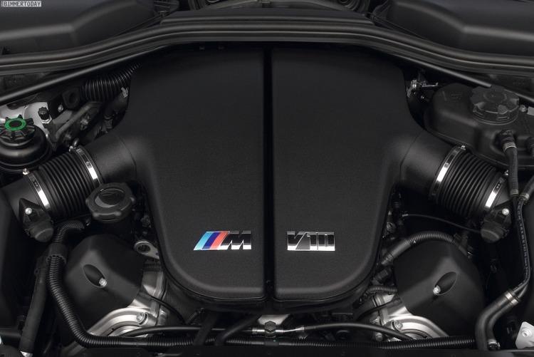 BMW-V10-M-S85-Zehnzylinder-Motor-2