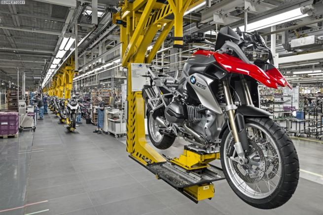 BMW-Werk-Berlin-Jubilaeum-2014-Motorrad-500000-Boxer-Motor-GS-01