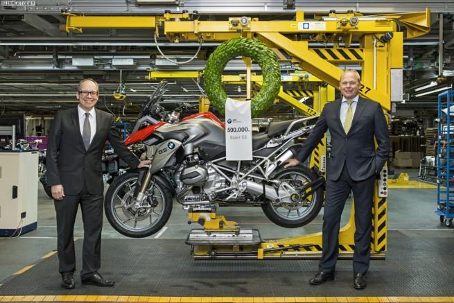 BMW-Werk-Berlin-Jubilaeum-2014-Motorrad-500000-Boxer-Motor-GS-02