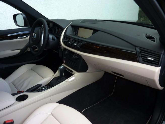 BMW-X1-xDrive28i-Interieur-04
