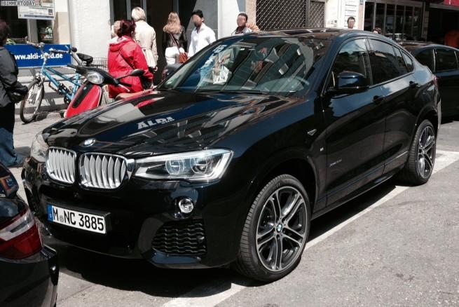 BMW-X4-Schwarz-F26-M-Sportpaket-Live-Fotos-1