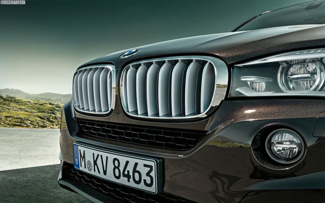 BMW-X5-F15-Wallpaper-1920x1200-07