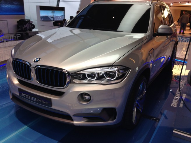 BMW-X5-eDrive-F15-Hybrid-Concept-SUV-BMW-Welt-05