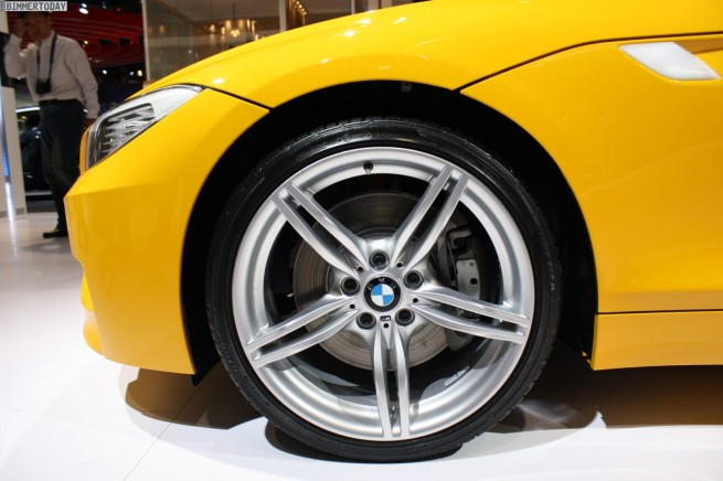 BMW-Z4-sDrive35is-Atacama-Gelb-Paris-2010-39