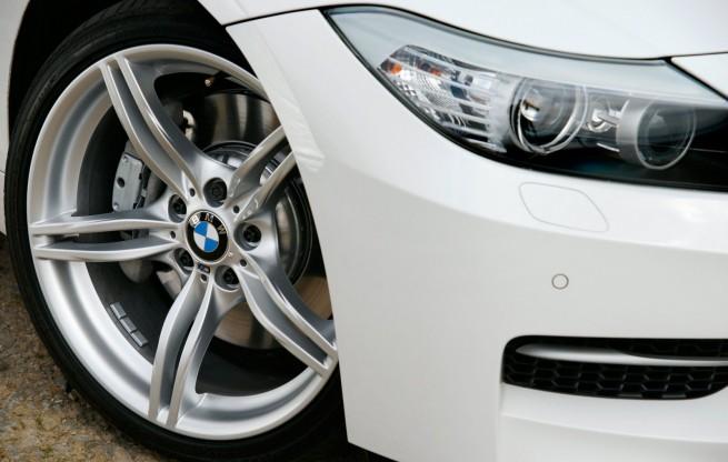 BMW-Z4-sDrive35is-white-UK-07