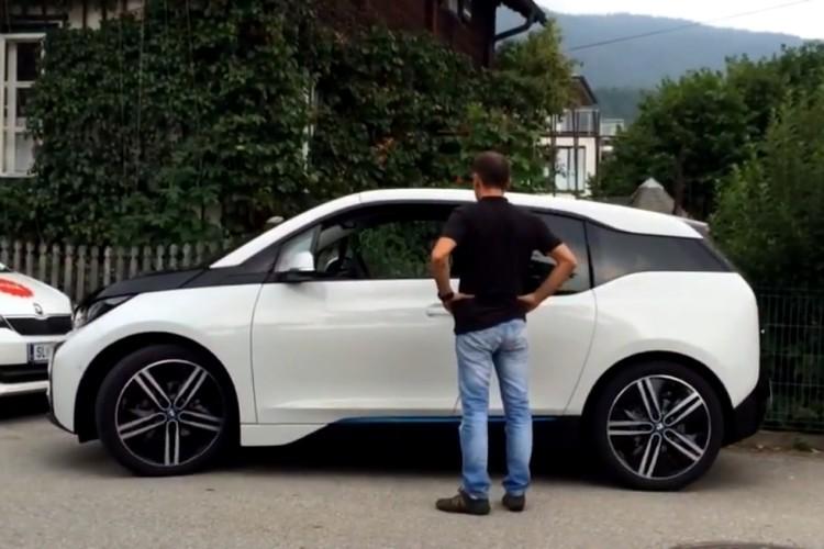 BMW-i3-Einpark-Assistent-Video