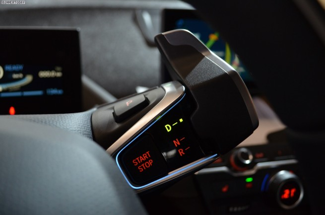 BMW-i3-Fahrbericht-Innenraum-Display-Materialien-02
