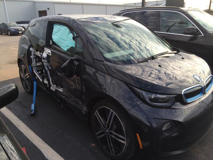 BMW-i3-Unfall-Sicherheit-Carbon-Fahrgastzelle-Seiten-Aufprall-01