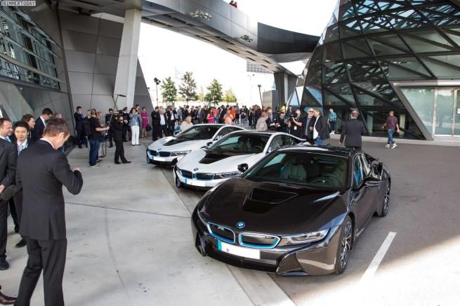 BMW-i8-2014-Erste-Auslieferung-BMW-Welt-02