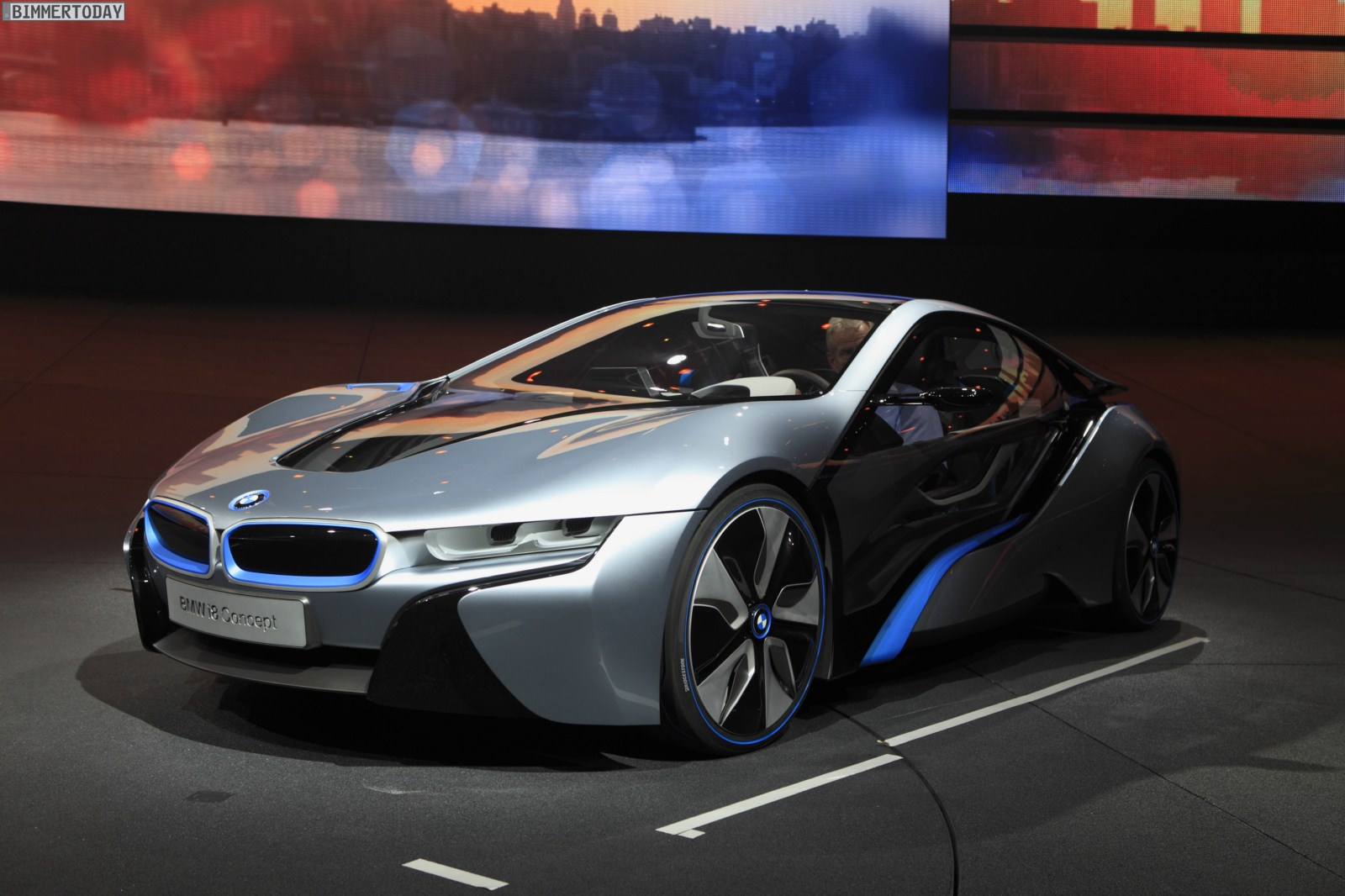 bmw i8 concept die offiziellen bilder zum hybrid. Black Bedroom Furniture Sets. Home Design Ideas