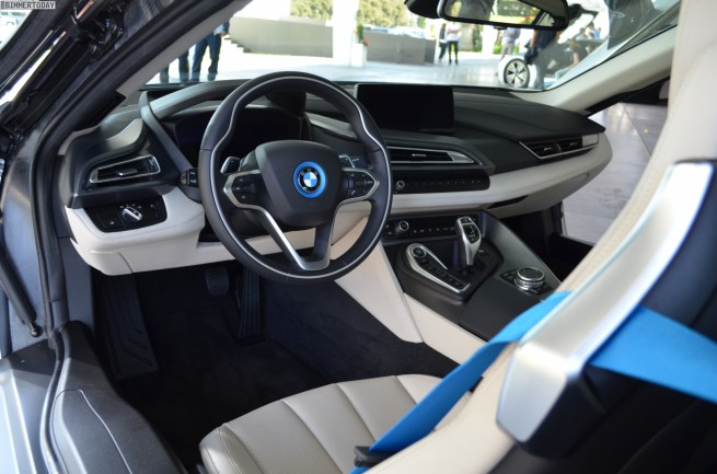 BMW-i8-Fahrbericht-Plug-in-Hybrid-Sportwagen-Ionic-Silver-15
