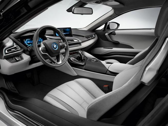 BMW-i8-Foto-Leak-IAA-2013-Hybrid-Sportwagen-Innenraum-1