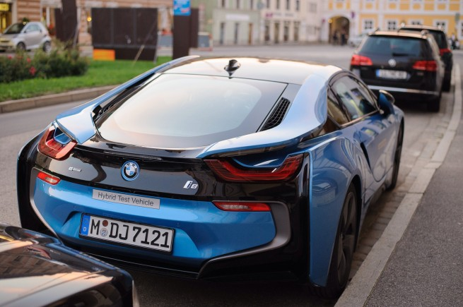 BMW-i8-Protonic-Blue-Real-Life-Fotos-Blau-2