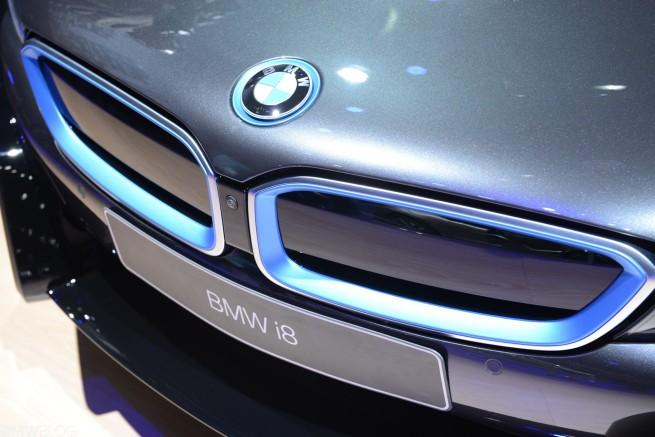 BMW-i8-Sophisto-Grau-2014-Live-Fotos-Detroit-Auto-Show-16