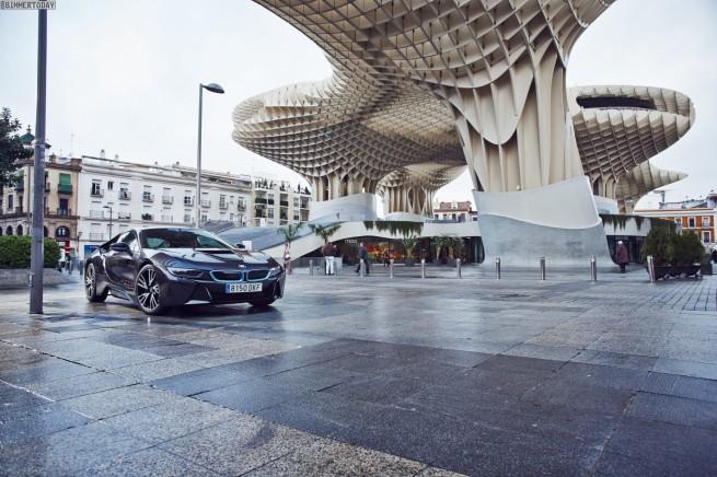 BMW-i8-Sophistograu-2014-Hybrid-Sportwagen-14