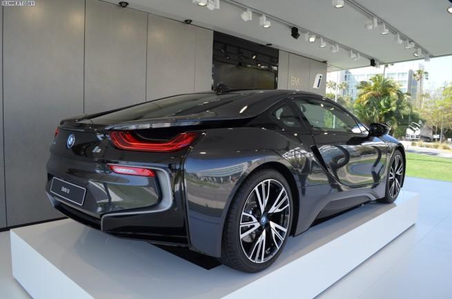 BMW-i8-Sophistograu-Plug-in-Hybrid-Sportwagen-01