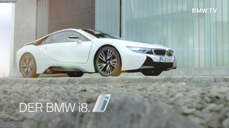 BMW-i8-Werbung-angekommen-in-der-Realitaet-2014-Plug-in-Hybrid-Sportwagen-02