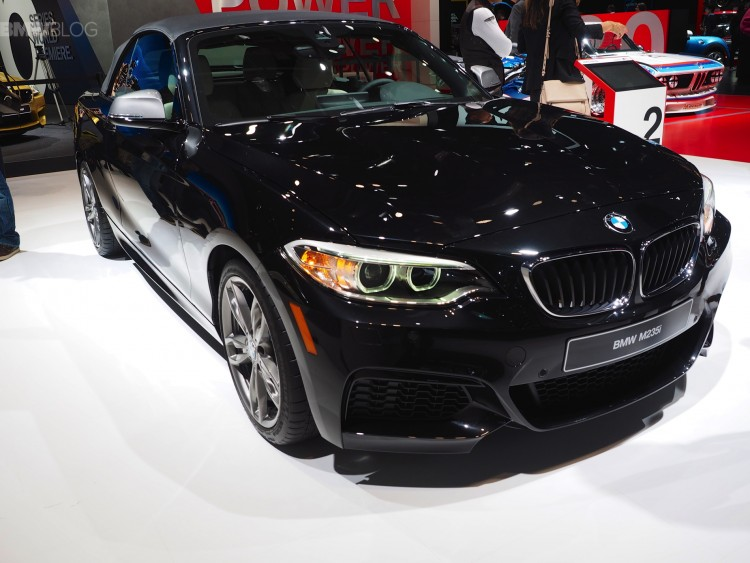 Detroit-2015-BMW-M235i-Cabrio-F23-Schwarz-2er-Cabriolet-Live-Fotos-03