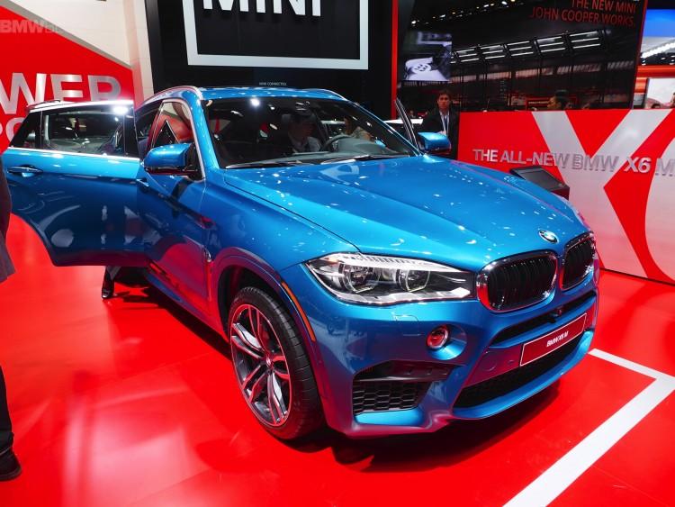 Detroit-2015-BMW-X6-M-F86-Long-Beach-Blue-Live-Fotos-Power-SUV-Coupe-01