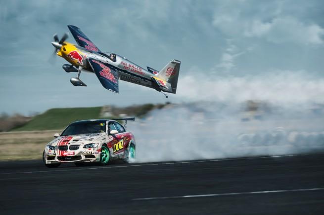 Dotz-BMW-M3-car-vs-plane-XXO-Tic-Tac-Toe-Video-01