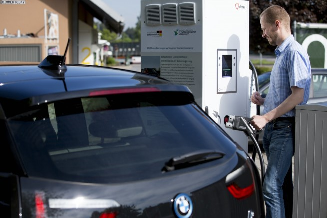 Elektroauto-DC-Schnelllade-Saeulen-A9-Muenchen-Leipzig-BMW-02