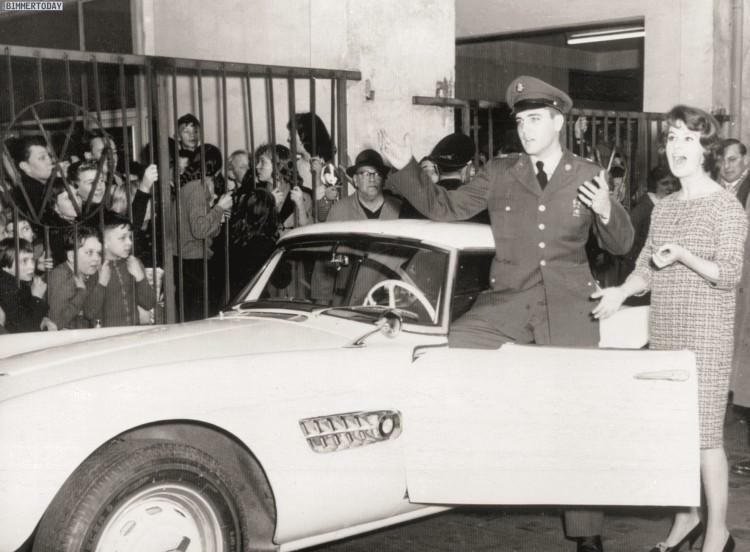 Elvis-Presley-BMW-507-Uebergabe-1958