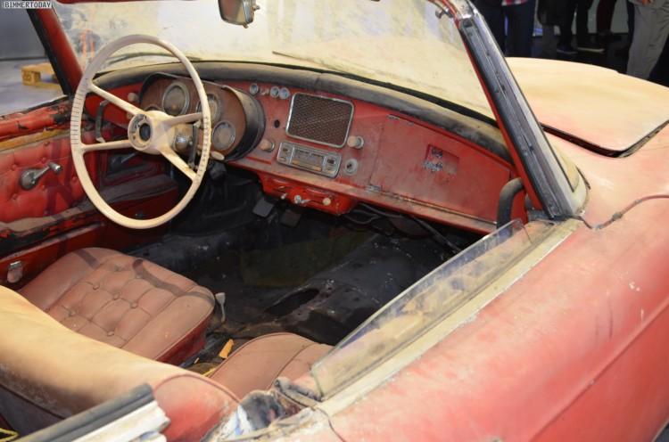 Elvis-Presley-BMW-507-unrestauriert-BMW-Museum-Innenraum-Details-01