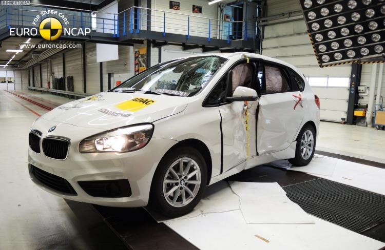 Euro-NCAP-Crashtest-BMW-2er-Active-Tourer-F45-Sicherheit-Van-03
