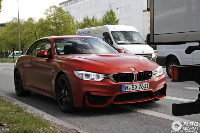 Frozen-Red-BMW-M4-Cabrio-F83-Rot-matt-Autogespot-01
