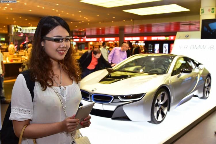 Google-Glass-BMW-i8-Flughafen-Muenchen-04