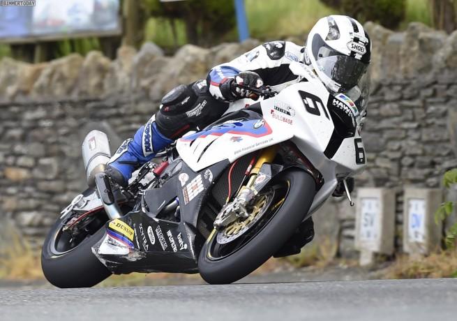 Isle-of-Man-TT-2014-BMW-Motorrad-Michael-Dunlop-Triple-17