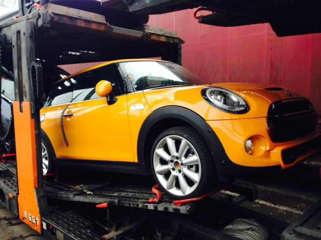 LIVE-Fotos-MINI-F56-Cooper-S-2014-Deutschland-Volcanic-Orange-01