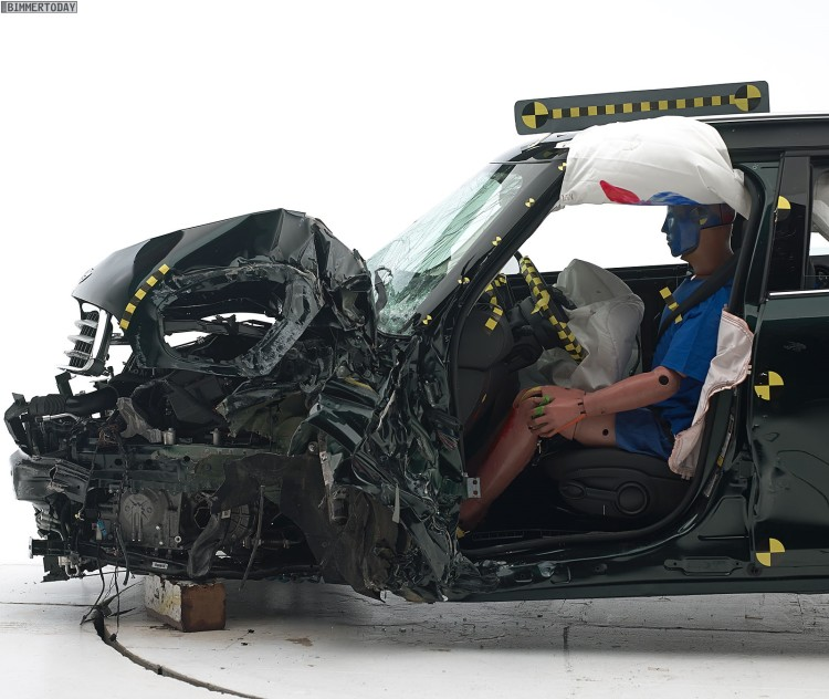 MINI-Countryman-Crashtest-IIHS-Small-Overlap-Top-Safety-Pick-R60-LCI-02