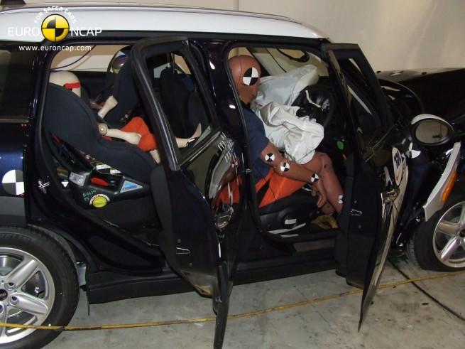 MINI-Countryman-R60-Euro-NCAP-Crashtest-01