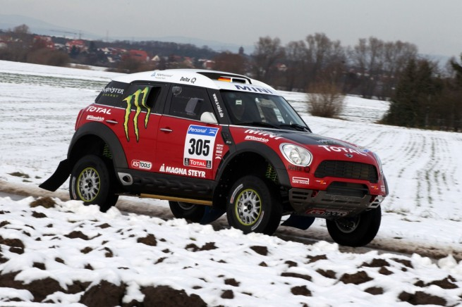 MINI-Countryman-X-Raid-ALL4-Racing-Dakar-2011-Preview-01