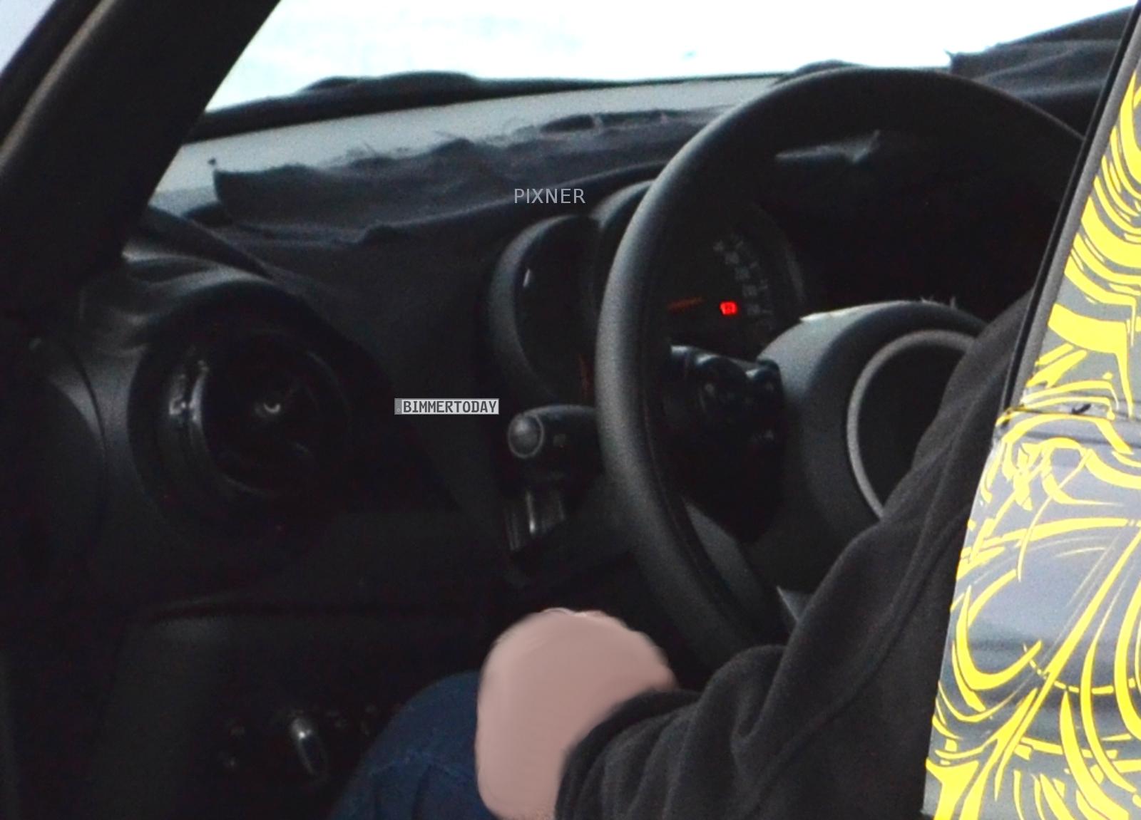 MINI F56: Erlkönig zeigt Innenraum des neuen Kleinwagens für 2014