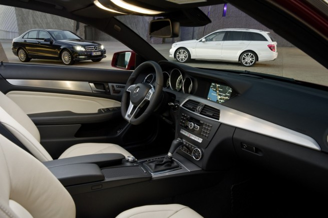 Mercedes-C-Klasse-Interieur-MJ2011-01