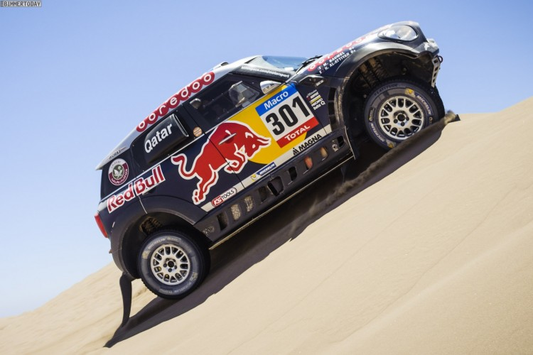 Rallye-Dakar-2015-MINI-ALL4-Racing-X-Raid-Tag-6-Red-Bull-09