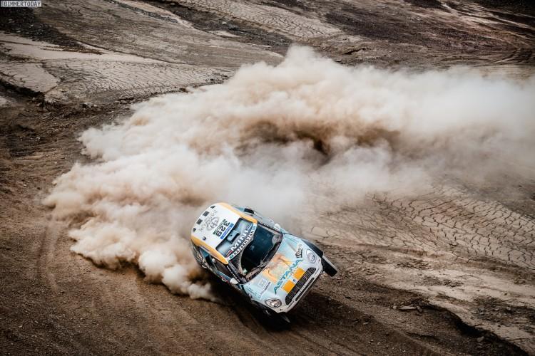 Rallye-Dakar-2015-X-Raid-MINI-ALL4-Racing-Tag-10-01