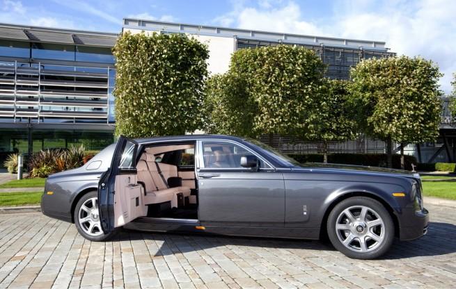 Rolls-Royce-Phantom-Extended-Wheelbase-EWB