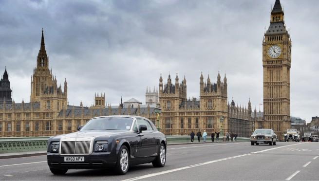 Rolls-Royce-Spirit-of-Ecstasy-Centenary-Drive-London-2011-02