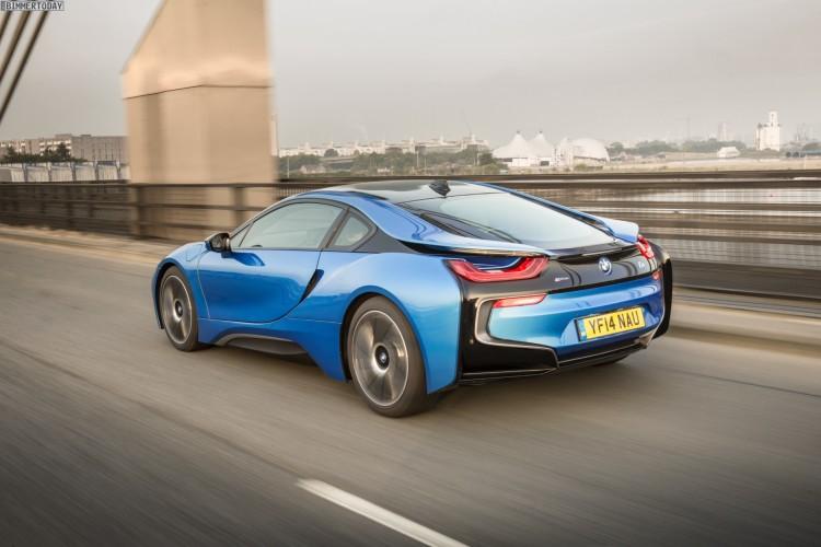 Wallpaper-BMW-i8-Protonic-Blue-UK-Plug-in-Hybrid-Sportwagen-01