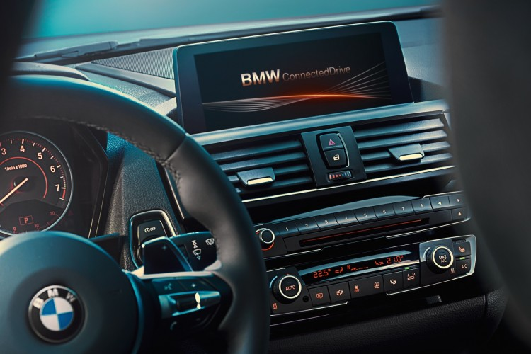 bmw-connected-drive-adac-f20-lci-2015-01