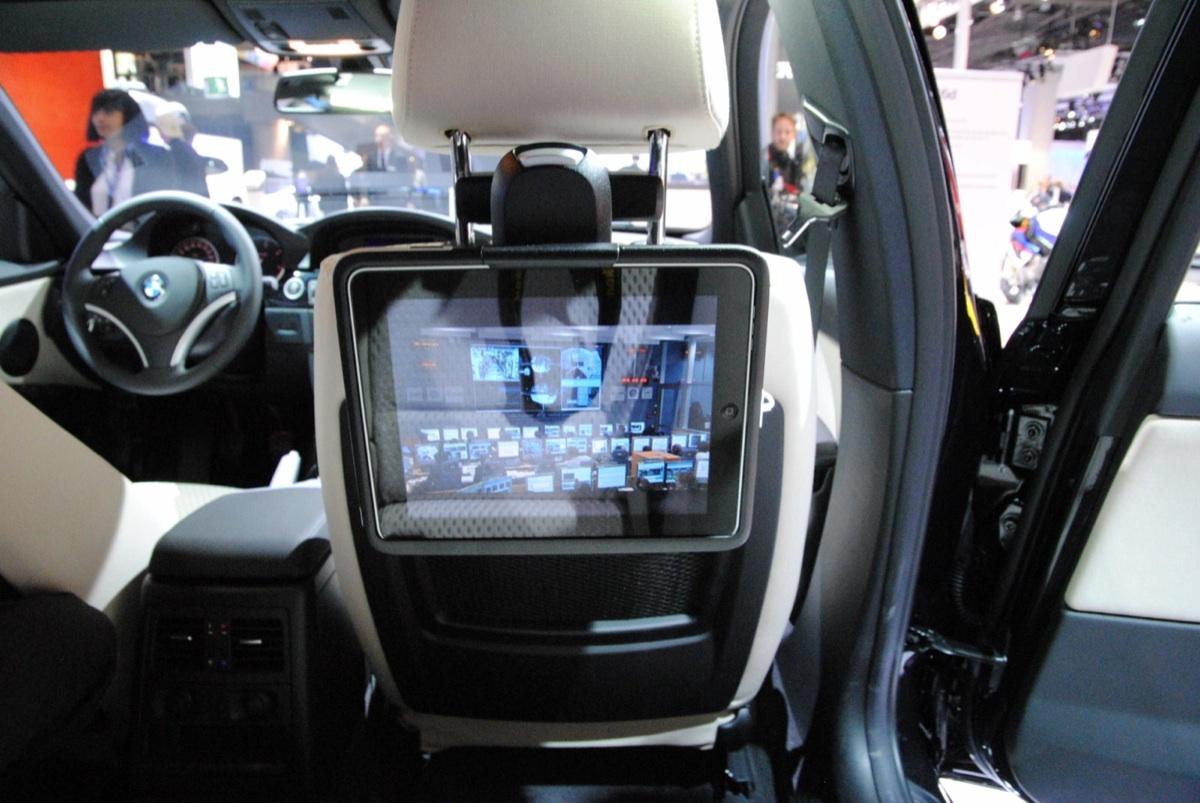 BMW-iPad-Halter-X3-F25-08